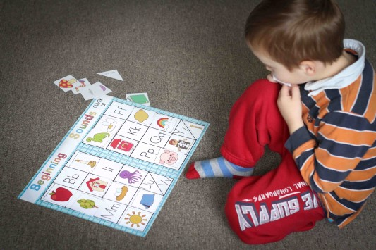 Preschool Letter of the Week G Beginning Sounds Cover Up Game