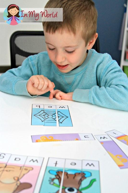 Preschool Letter W FREE CVC Puzzles