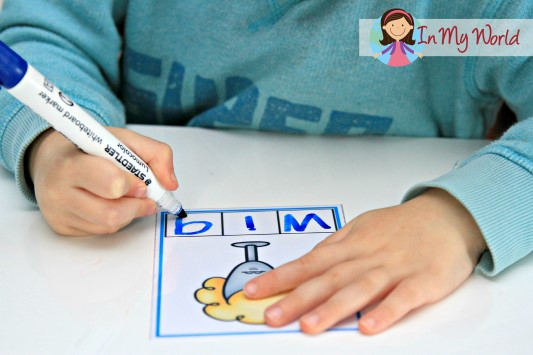 Preschool Letter W FREE Phoneme Segmentation Cards